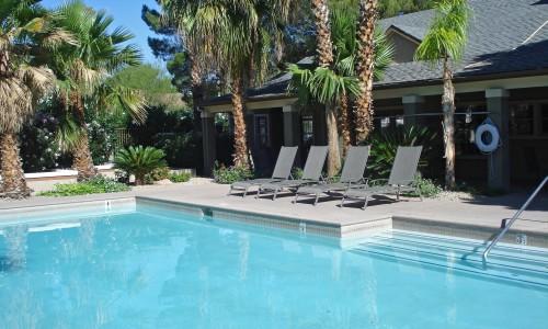 Acheter une piscine : piscine creusée ou hors-sol ?